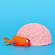 Детская шипучая соль для ванн для ванн с игрушкой и ароматом земляники. Арт. 10010